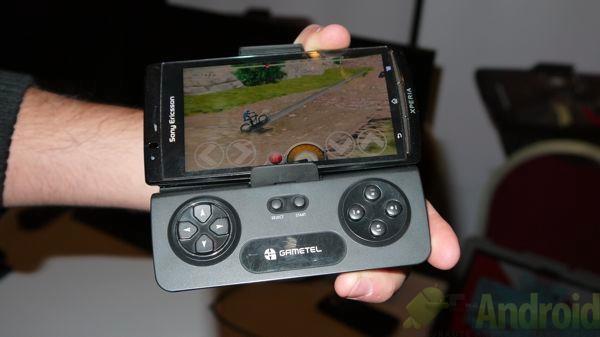 Ces 2012 avec gametel transformez votre smartphone android en console de jeu portable frandroid - Console de salon android ...