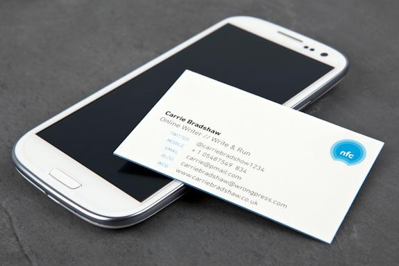 Bref Imaginez Seulement Une Carte De Visite Normale Qui Integre Mini Puce NFC MOO A Prevu Application Android Pour Pouvoir Personnaliser