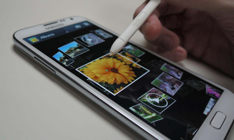 test du smartphone android samsung galaxy note 2. Black Bedroom Furniture Sets. Home Design Ideas