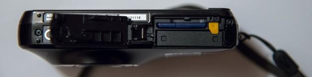 Dessous du Nikon Coolpix S800c