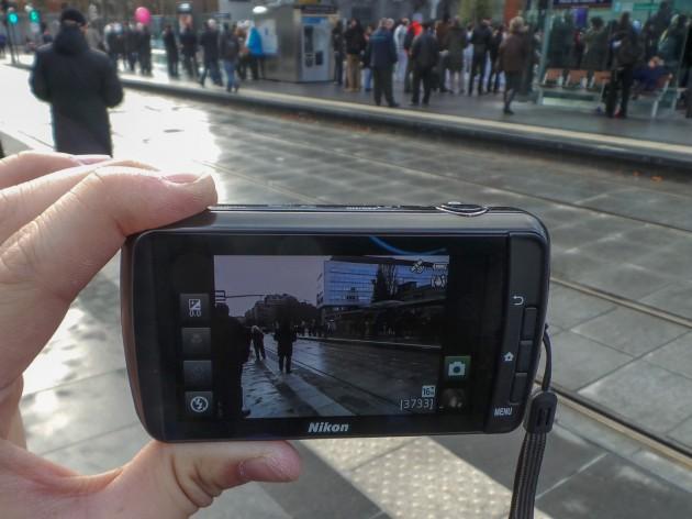 Photo_Taille et écran du Nikon Coolpix S800c_