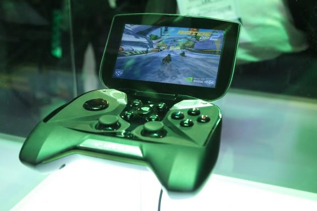 Project-SHIELD-Gaming-Tegra-4-Gaming-Handheld-Playing-Riptide-GP
