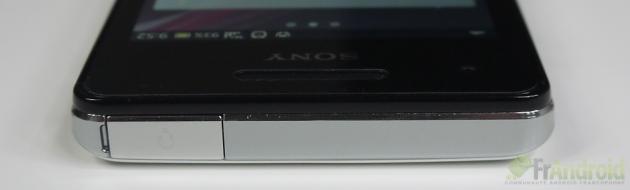 Sony-Xperia-V-Haut
