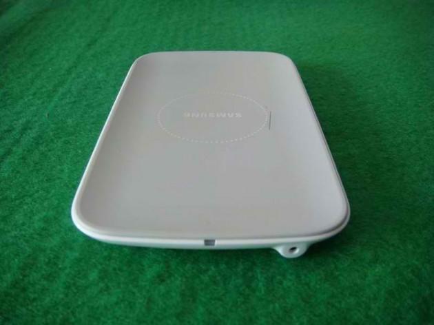 chargeur-sans-fil-samsung-2