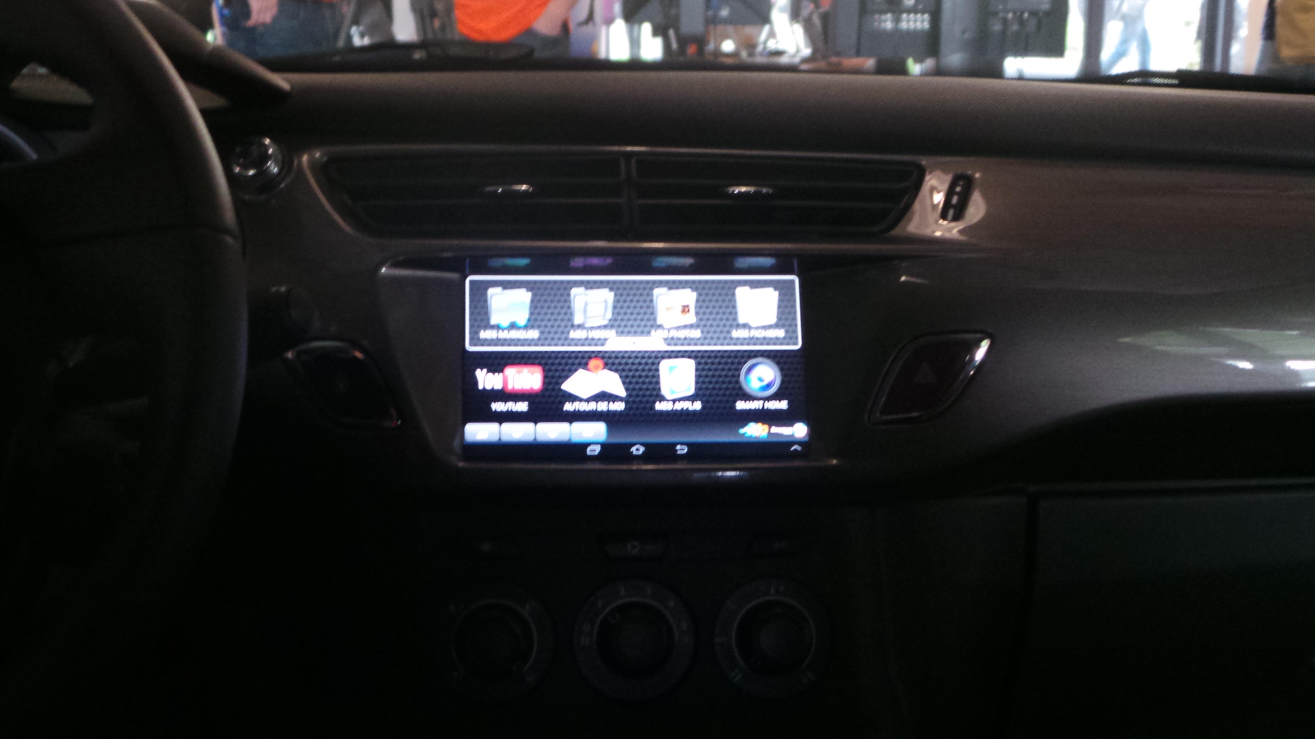 La voiture connectée 4G de Bouygues Telecom