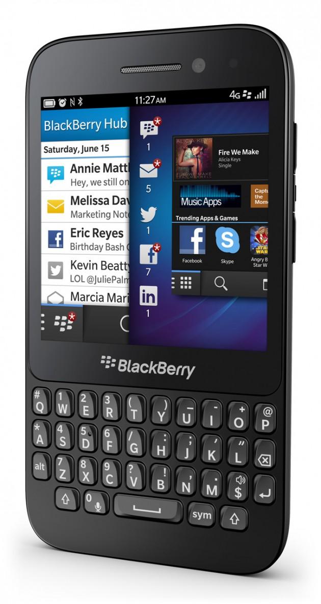 06112330-photo-blackberry-q5