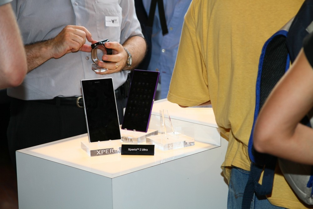 Le Sony Xperia Z Ultra sur le stand de Sony