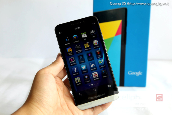 BlackBerry-Z30-leak