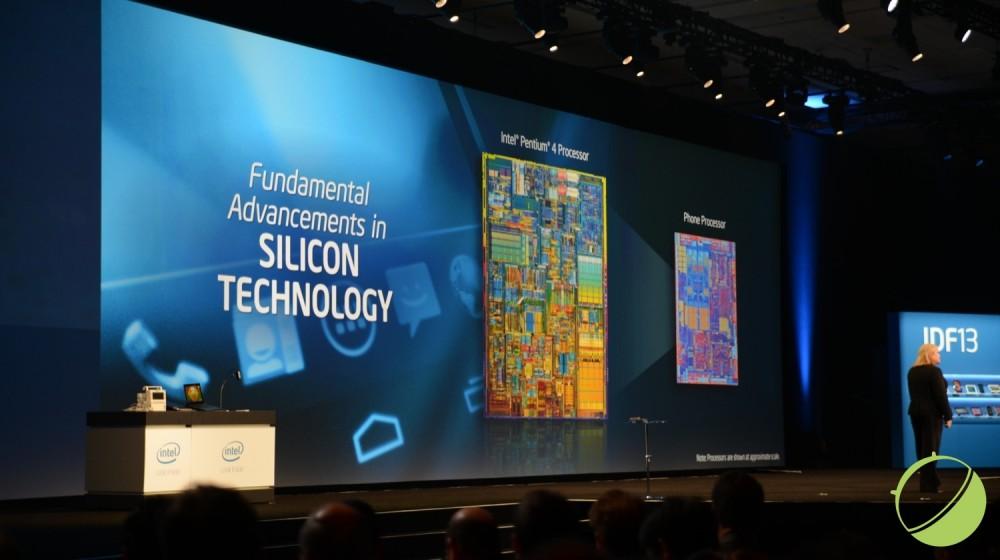 Intel nous a précisé que leur puce Silvermont était aussi puissante qu'un Pentium 4