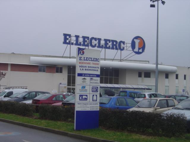 Paiement flash apr s auchan leclerc propose le paiement for Leclerc piscine