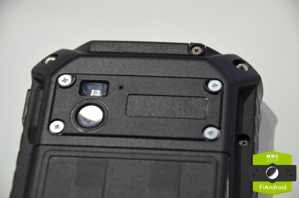 Toughpad-Panasonic-tough-guy-IP68-choc