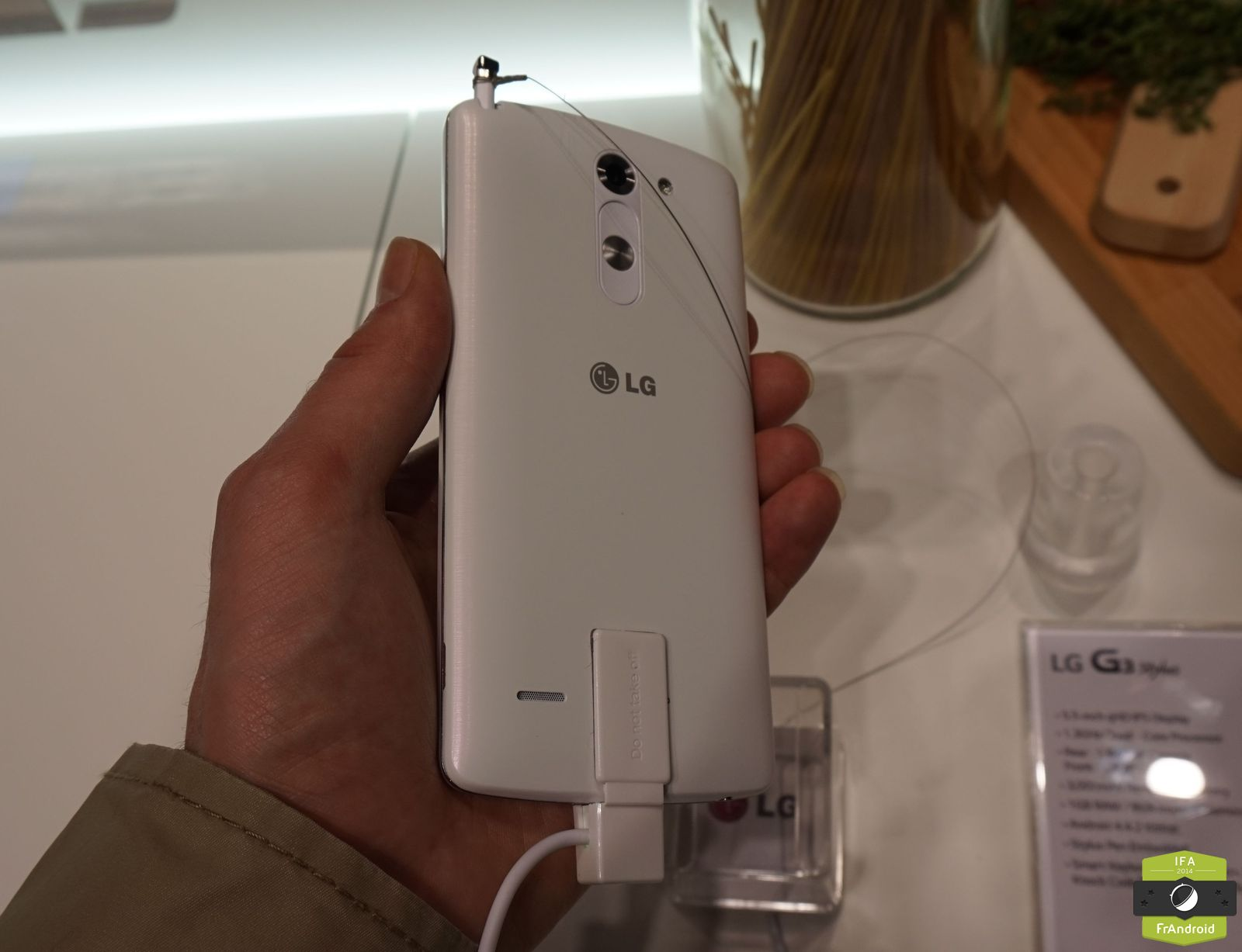 Le LG G3 Stylus Na Pas Encore De Date Sortie Precise En France Ni Meme Prix Semble Vouloir Positionner Comme Une Alternative Low Cost Face Au