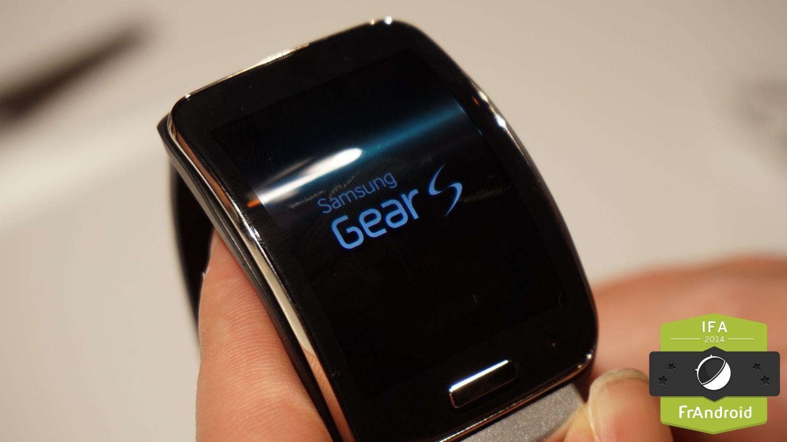La Samsung Gear S, présentée en Europe dans les halls de l'IFA2014, pourrait bientôt compter parmi les modèles n'étant plus supportés par Samsung