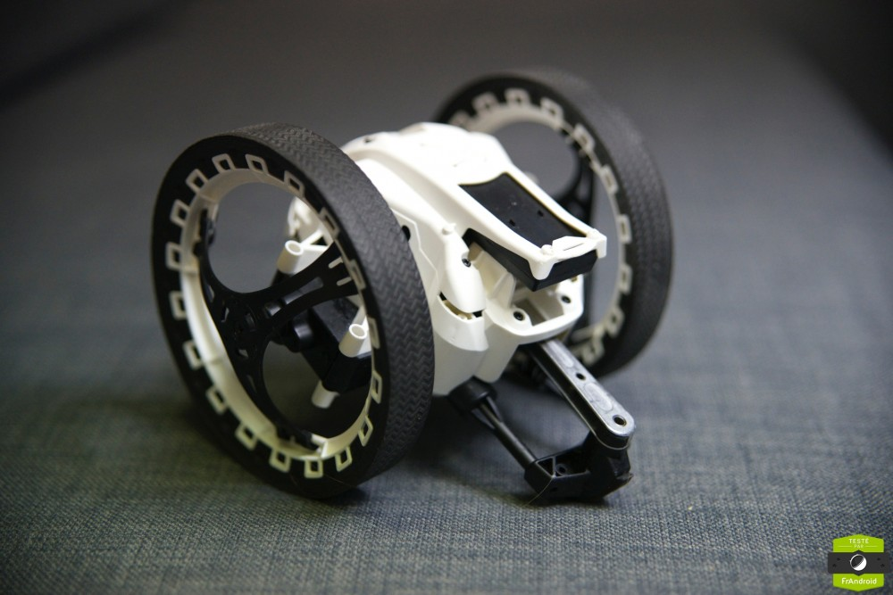 Parrot Jumping Sumo Test