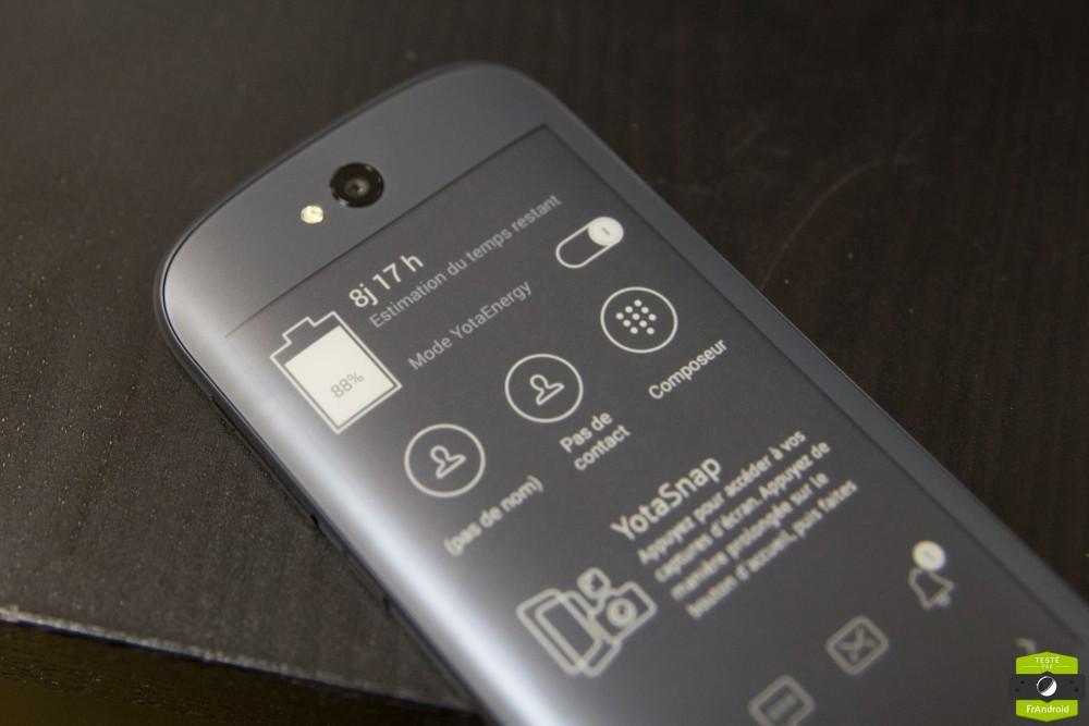 Yota Phone 2-19