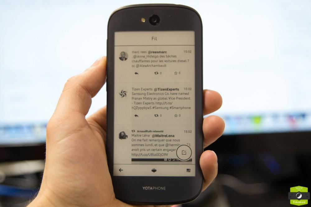 Yota Phone 2-20