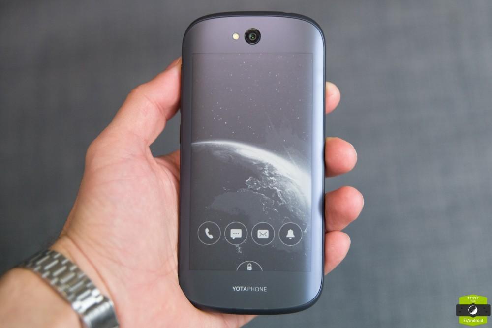 Yota Phone 2-4