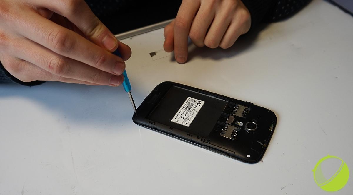 comment reparer l ecran d un telephone portable
