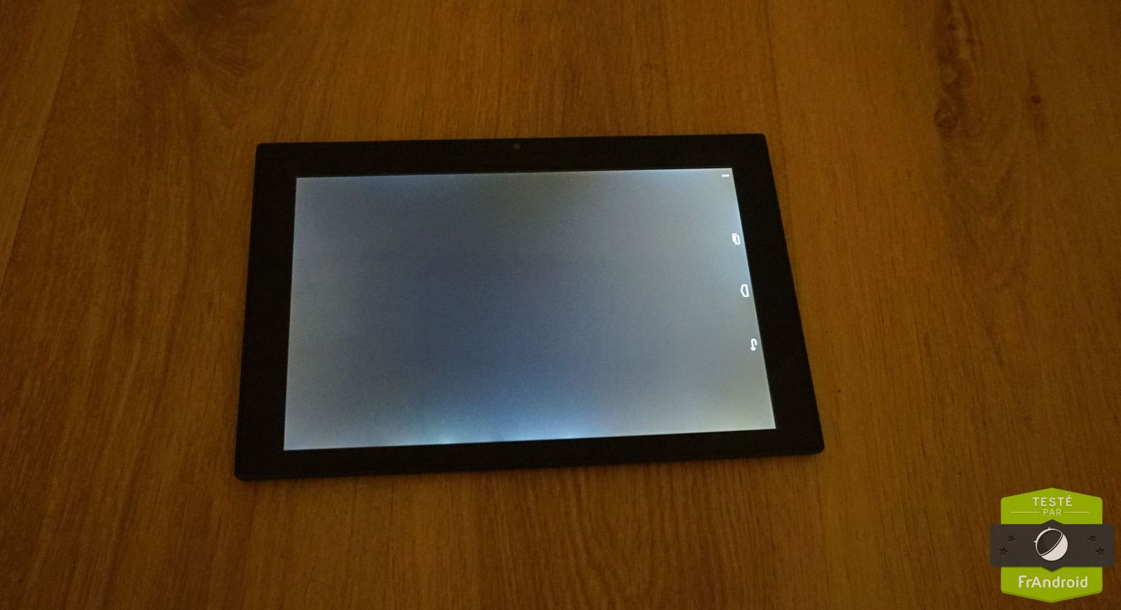 Test de la poss touch tablet 10 fluo un v8 dans une for Test ecran photo