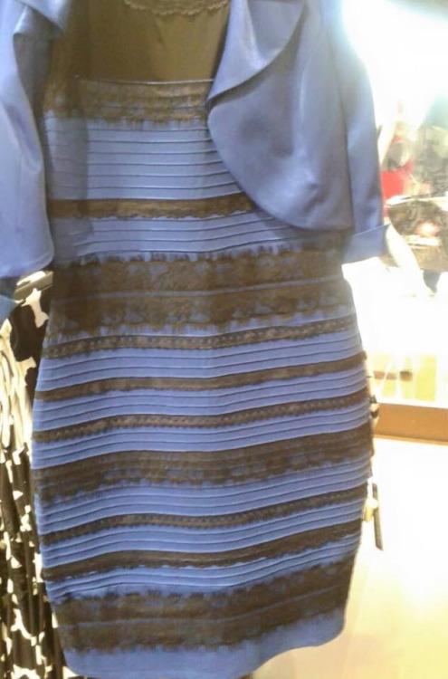 Robe couleur hoax