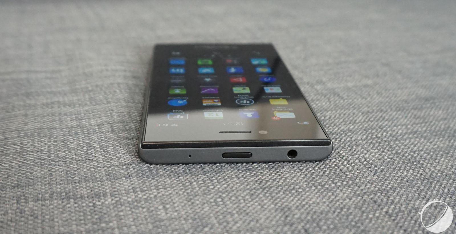 Prise en main du BlackBerry Leap : un Z30 légèrement remanié - FrAndroid