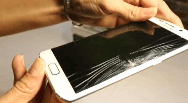 samsung-galaxy-s6-edge-screen-cracked-under-pressure-in-square-trade-test