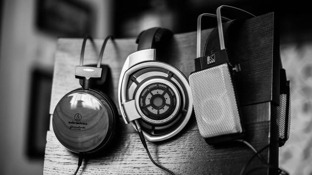 Headphones-Gray-Music