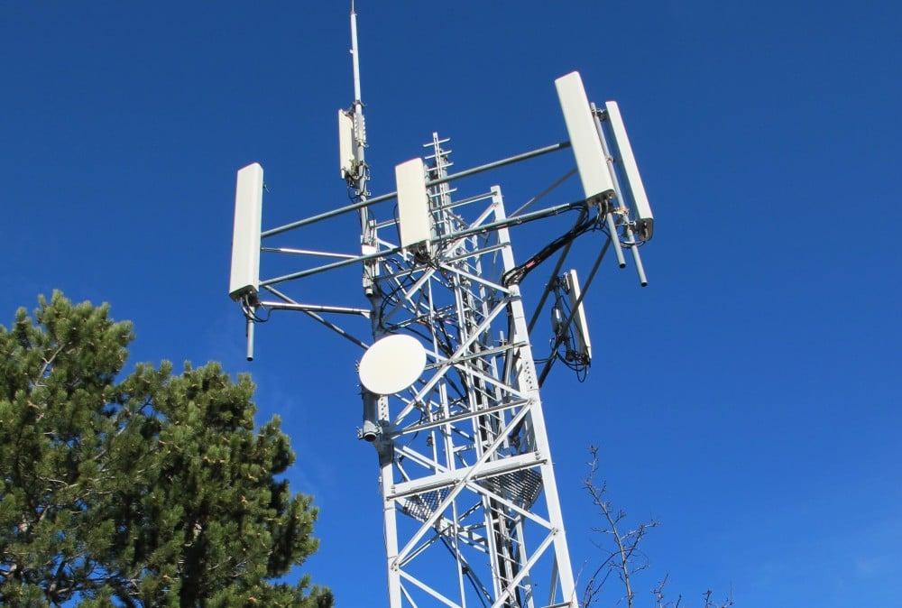 4G : l'ARCEP force SFR à accueillir Free Mobile sur ses pylones