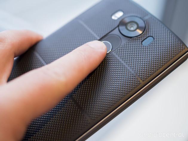 lg-v10-fingerprint-sensor-finger
