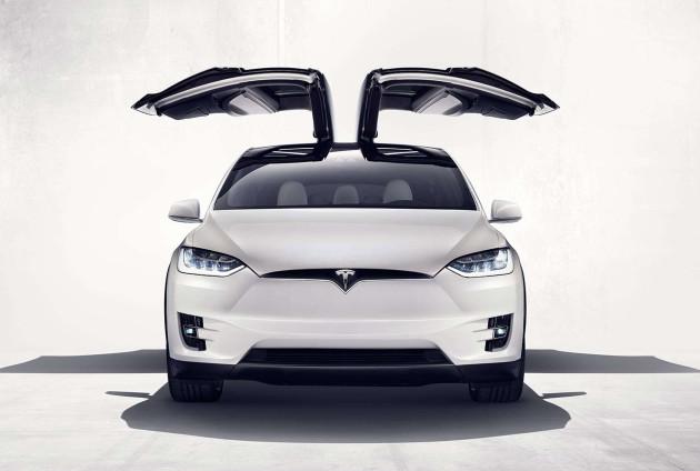 2015_Tesla-Model-X_05