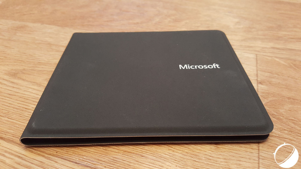 microsoft-foldable-keyboard-ferme