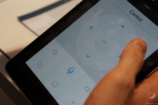 Il est possible de télé-commander le projecteur depuis une app Android et iOS