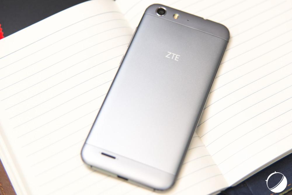ZTE Blade V6 (2 sur 12)