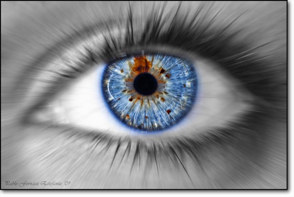 Samsung travaille depuis deux ans sur des lentilles de contact ... 9bc4bf0a2599