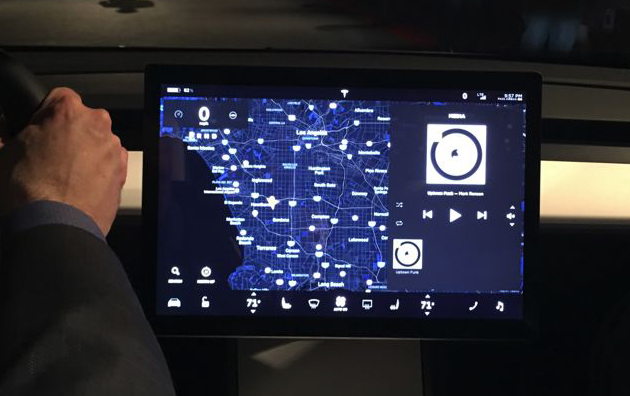 Tesla-Model-3-tableau-de-bord