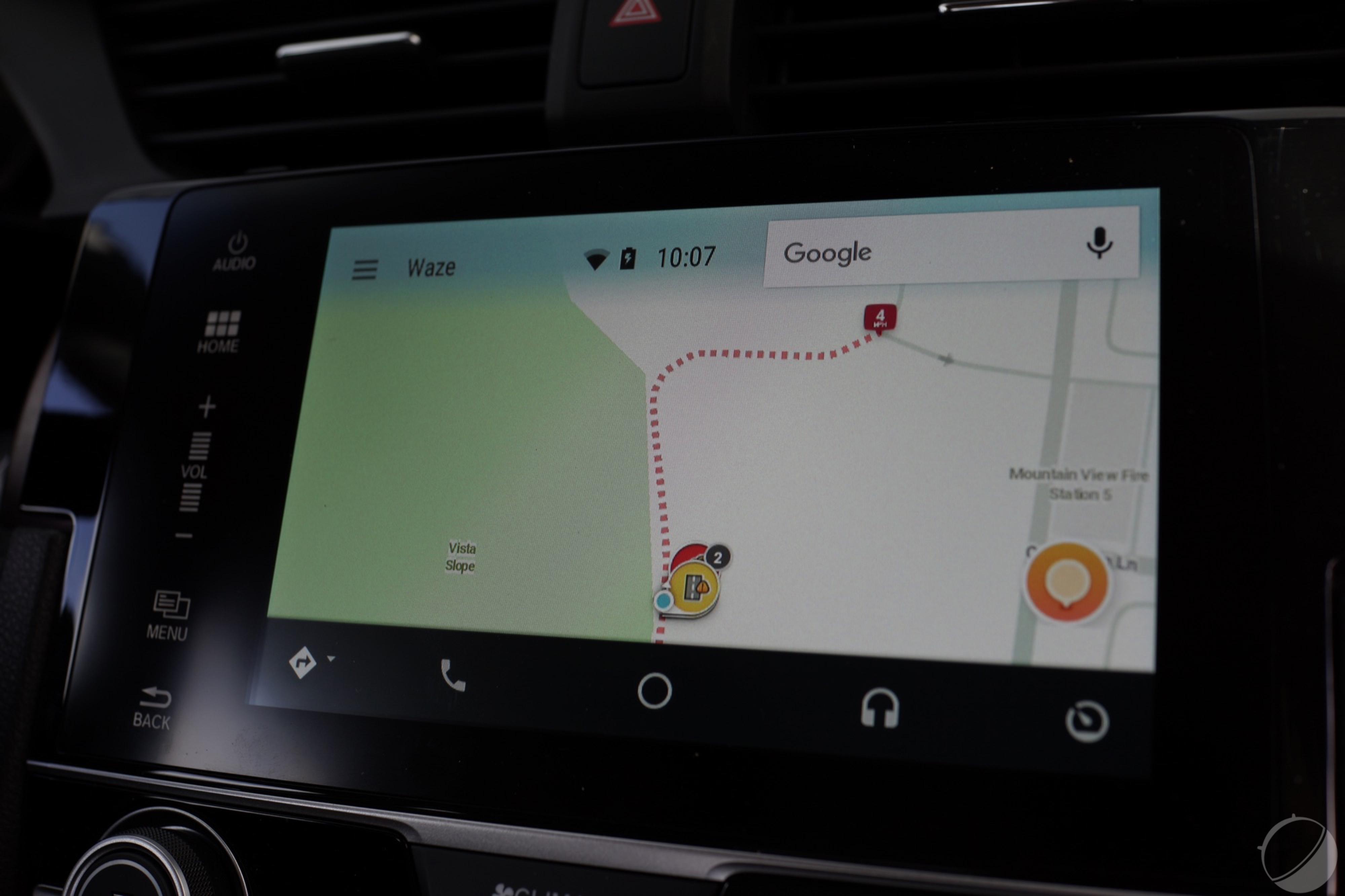 waze sur android auto les premi res images de l 39 interface frandroid. Black Bedroom Furniture Sets. Home Design Ideas