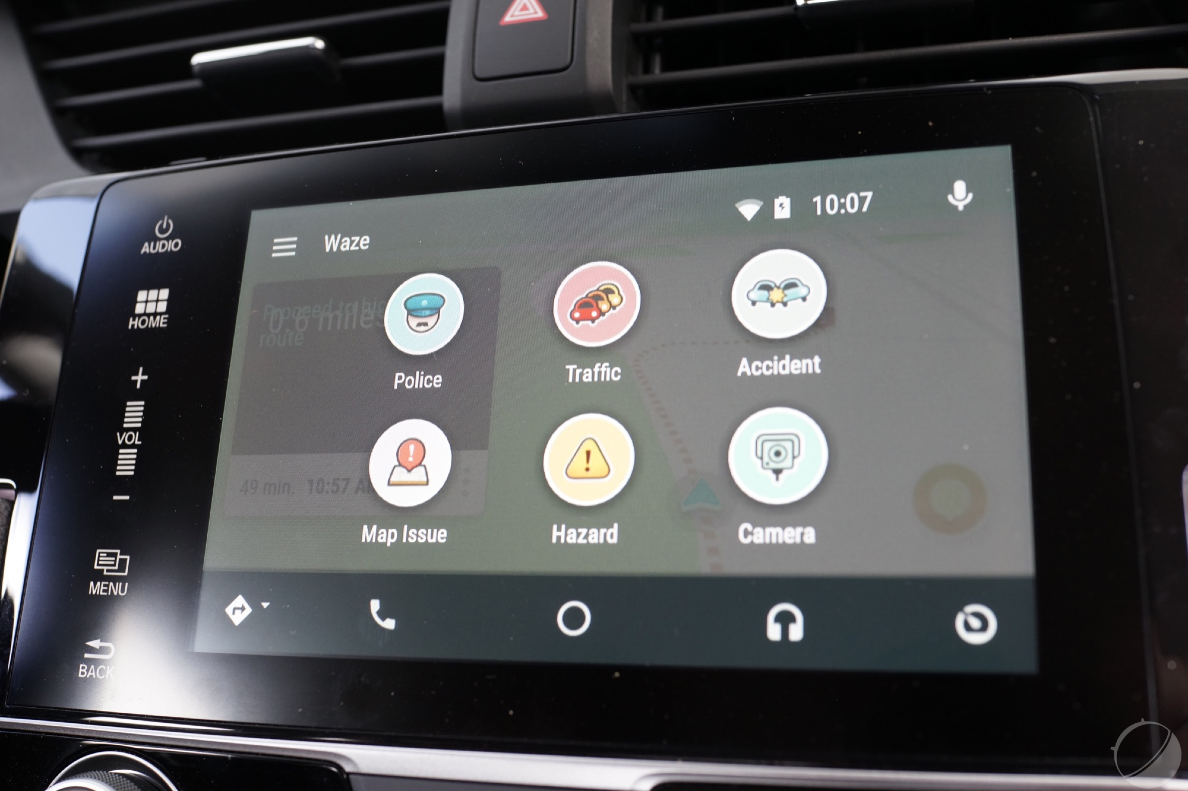 waze sur android auto les premi res images de l 39 interface frandroid. Black Bedroom Furniture Sets. Home Design Ideas