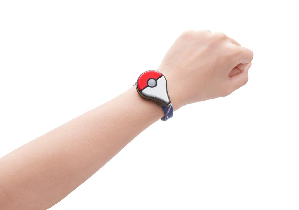 pok mon go le bracelet pok mon go plus disponible le 16 septembre frandroid. Black Bedroom Furniture Sets. Home Design Ideas