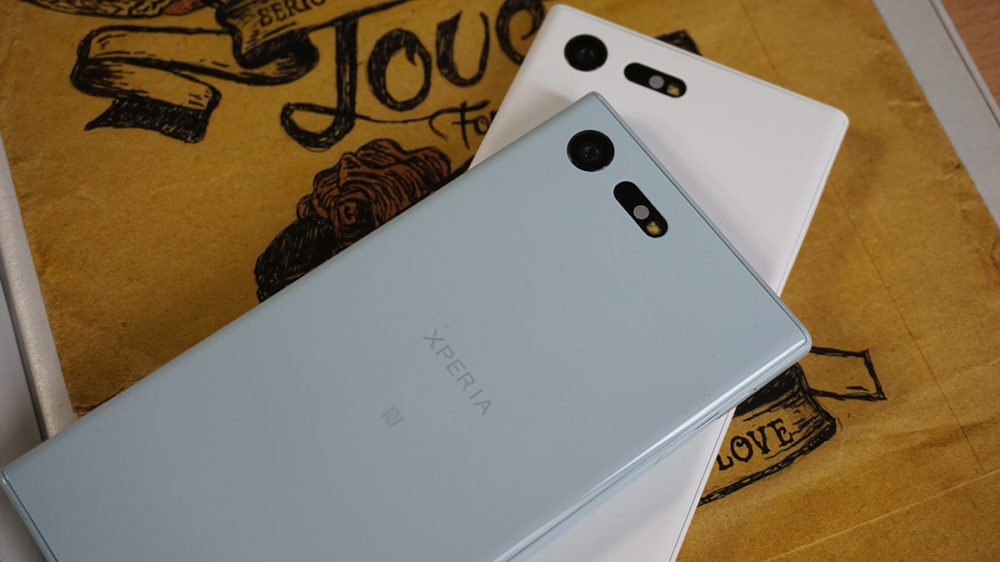 Sony Xperia X Compact 10