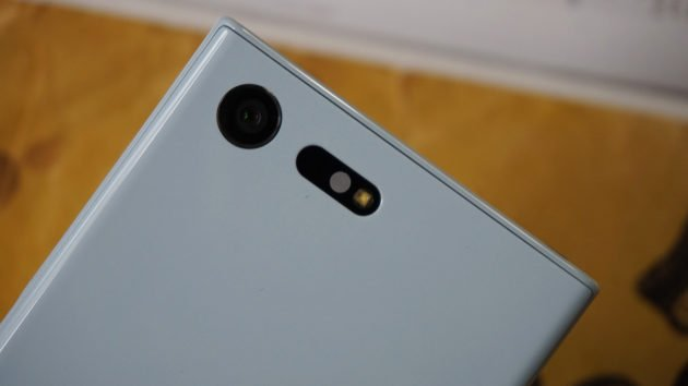 Sony Xperia X Compact 7