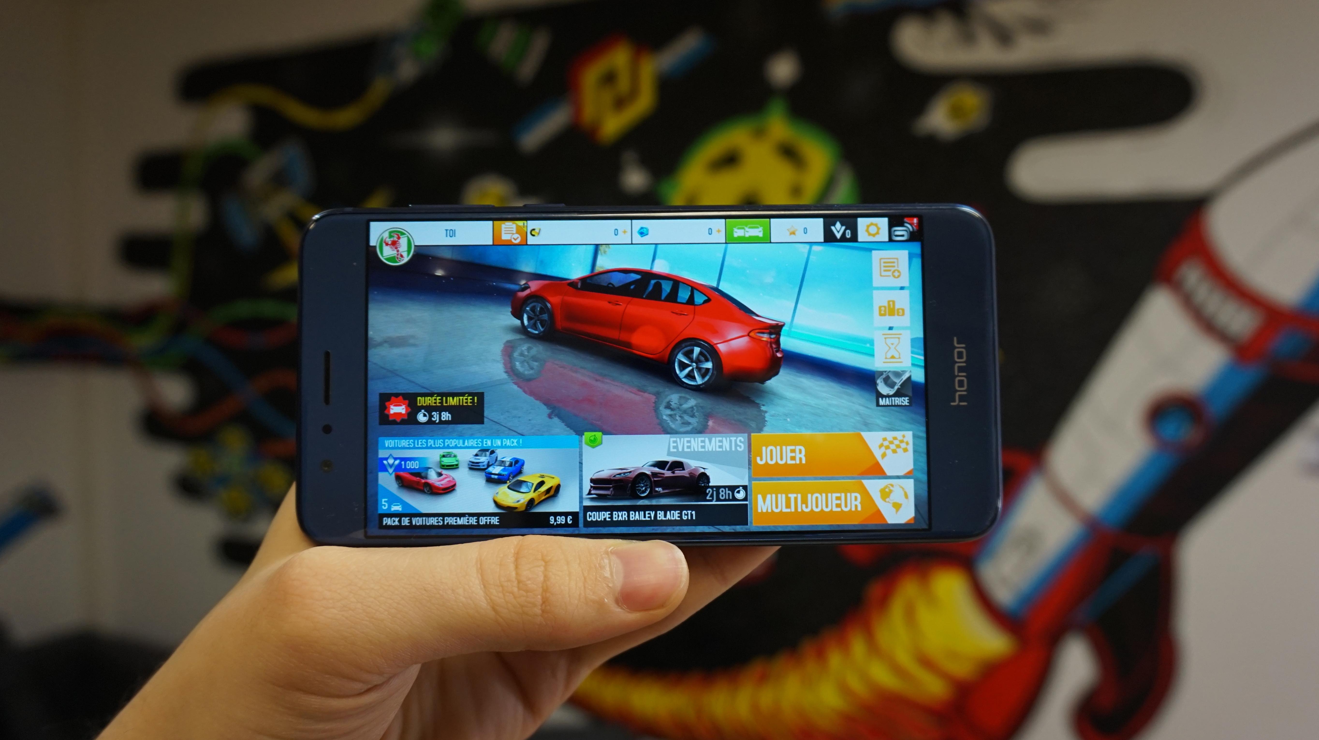 Jeux vidéo : le Honor 8 rivalise-t-il avec les smartphones de 2016