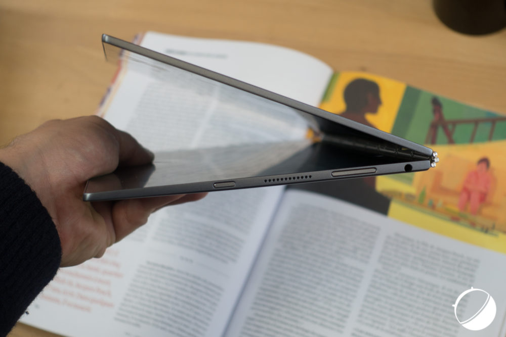 lenovo-yoga-book-5-sur-5