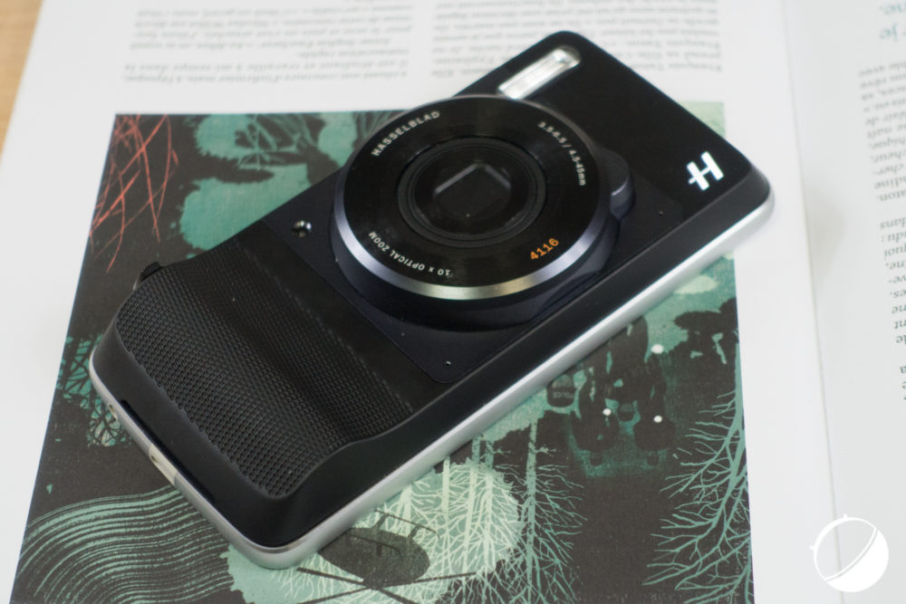 The Moto Mod designed by Hasselblad