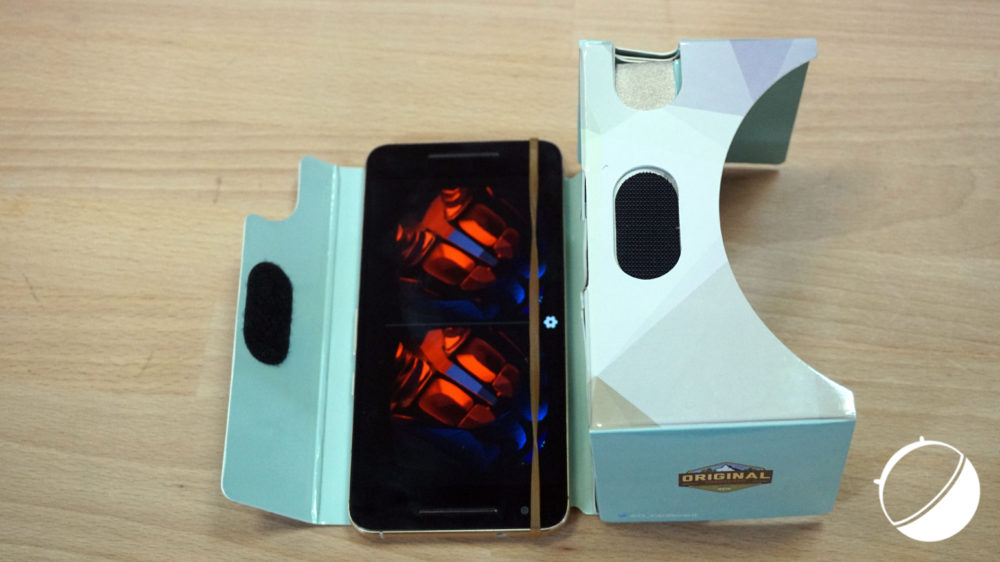 original-cardboard-smartphone