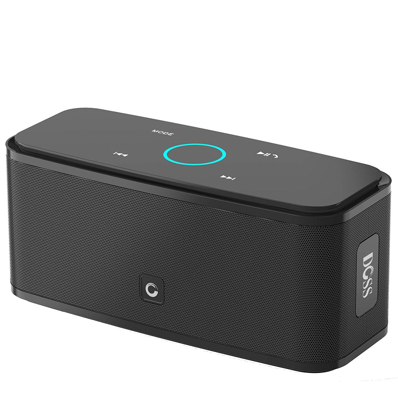 24332bc066ac Cette enceinte Bluetooth DOSS est censée prodiguer un son avec de  puissantes basses et une faible distorsion. Elle dispose d une batterie de  2200 mAh qui ...