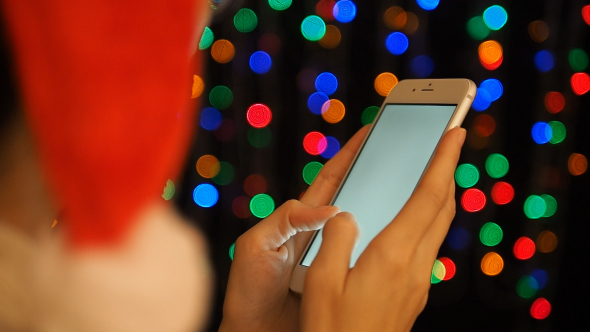 image-preview_chatting-smartphone-in-christmas-day