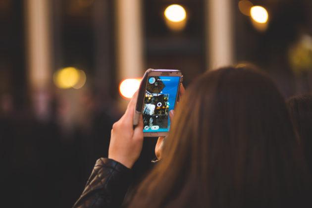 smartphone-camera-broadcast