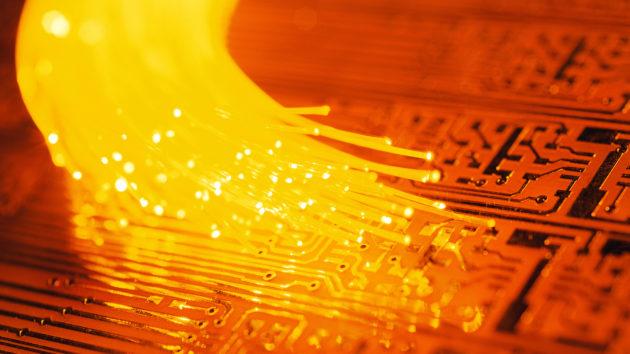 fibre-optique-ftth-deploiements-regulati