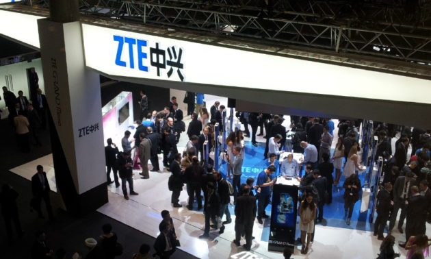 zte_stand_at_mwc_2013