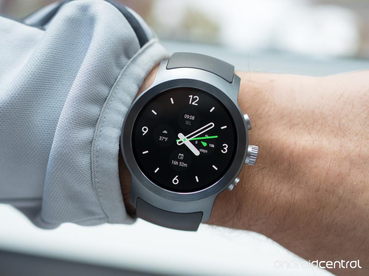 Revue de presse des lg watch sport et lg watch style le choix entre trop et pas assez frandroid for Watches google